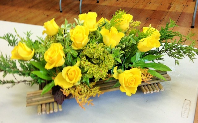 Flower arranging led by Lynne Spring 2019 - photo 5